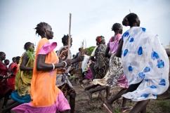 Leitchor, région de Gambella, Ethiopie. Cérémonie sud-soudanaise dans le camp de réfugiés de Leitchor. Juin 2014.