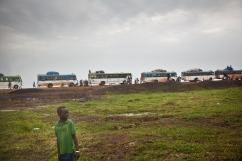 Burbiey, région de Gambella, Ethiopie. La plupart des réfugiés sud-soudanais restent entre 24 et 48 heures dans le site de transit de Burbiey avant d'être évacué en bus vers les camps de réfugiés de la région, principalement ceux de Leitchor et Kule. Juin 2014.