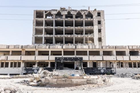 Tabqa, Syrie. Quartier général du groupe Etat islamique dans la ville de Tabqa. La ville a été reprise fin avril par les Forces Démocratiques Syriennes (FDS), une alliance de combattants kurdes et arabes soutenue par la coalition internationale.