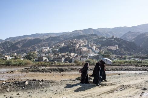 Yemen, gouvernorat de Saada, Haydan, mars 2018. Un groupe de femmes se rend à l'hôpital de Haydan.