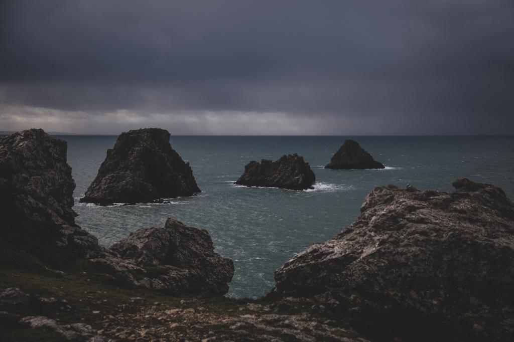 Porspoder, fin du monde. Fin 2020, la tempête Bella frappe les côtes françaises, dont le Finistère.
